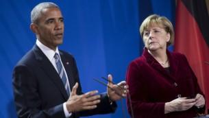 الرئيس الامريكي باراك اوباما خلال مؤتمر صحفي مشترك مع المستشارة الالمانية انغيلا ميركل بعد لقائهما في برلين، 17 نوفمبر 2016 (BRENDAN SMIALOWSKI / AFP)