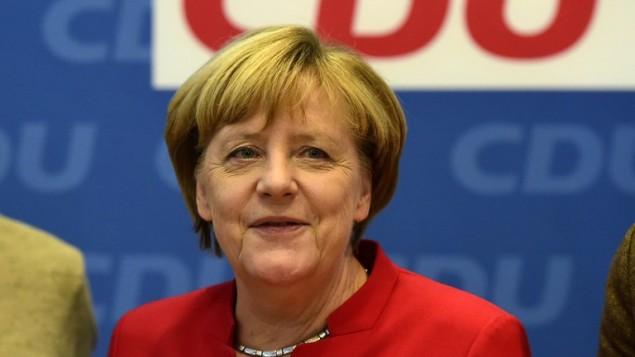 المستشارة الالمانية انغيلا ميركل خلال اجتماع قيادة حزب الاتحاد المسيحي الديمقراطي في برلين، 20 نوفمبر 2016 (TOBIAS SCHWARZ / AFP)