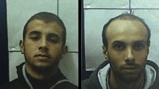 محمد عمر بدر حسن (من اليسار) وابن عمه، أحمد طلال أحمد سعايدة، اللذان أدينا بدعم تنظيم 'الدولة الإسلامية' ومحاولة الإنضمام إليه، وكذلك التخطيط لتنفيذ هجمات داخل إسرائيل. (Courtesy Shin Bet)