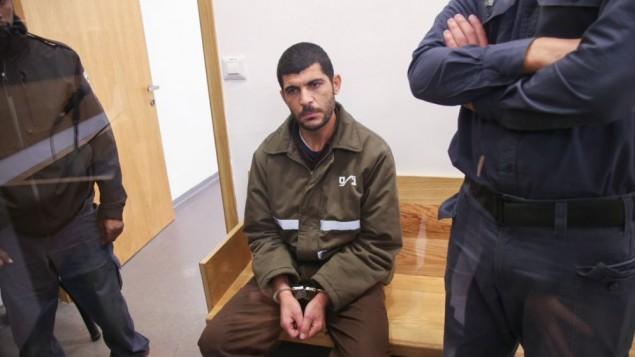 رائد خليل، 36 عاما، يصل إلى قاعة المحكمة المركزية في تل أبيب، 13 ديسمبر، 2015. (Flash90)