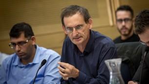 عضو الكنيست من القائمة العربية المشتركة دوف حنين خلال اجتماع في الكنيست، 2 نوفمبر 2016 (Miriam Alster/FLASH90)