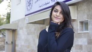 كاترينا أبو عقل (20 عاما)، من سكان بلدة كفر ياسيف، هي واحدة من بين عدة مئات من الشبان العرب الذين لبوا دعوة الإنضمام إلى الشرطة الإسرائيلية منذ سبتمبر، 2016.  (Dov Lieber / Times of Israel)