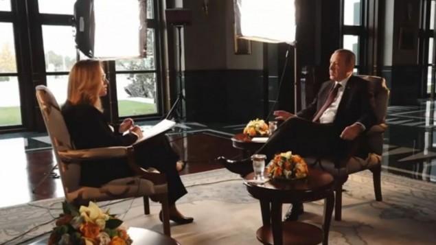 الرئيس التركي رجب طيب اردوغان خلال مقابلة مع الصحفية الإسرائيلية ايلانا ديان، نوفمبر 2016 (Screen capture: Channel 2)