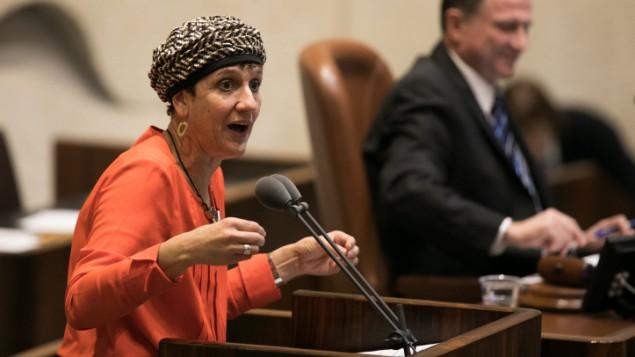 عضو الكنيست من البيت اليهودي شولي معلم رفائيلي تتحدث خلال التصويت على ما يسمى مشروع قانون التنظيم في الكنيست، 7 ديسمبر 2016 (Yonatan Sindel/Flash90)