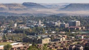 ماسيرو، عاصمة ليسوتو. شركة إسرائيلية أدينت برشوة مسؤول حكومي في البلد الأفريقي. (CC BY, OER Africa, Flickr)