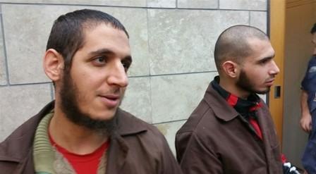 رجلان عربيان خلال محامتهما بتهم متعلقة بتنظيم الدولة الإسلامية، 1 ديسمبر 2016 (Screenshot courtesy of Channel 10 News)