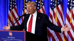 الرئيس الامريكي المنتخب دونالد ترامب يعقد مؤتمرا صحفيا، الاول منذ الانتخابات في شهر نوفمبر، 11 يناير 2017 (Spencer Platt/Getty Images/AFP)