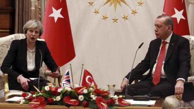 رئيسة الوزراء البريطانية تيريزا ماي خلا لقاء الرئيس التركي رجب طيب اردوغان في انقرة، 28 يناير 2017 (ADEM ALTAN / AFP)