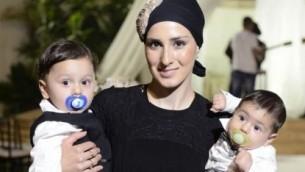 دور كراسانتي  سيلا قُتلت بيد زوجها هي وطفليها، يوسف وبينيامين في 28 يناير، 2017. (Facebook)