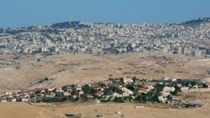 صورة بانورامية لكتلة عتصيون الإستيطانية في الضفة الغربية. (Moshe Shai/Flash90)
