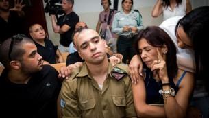 إيلور عزاريا خلال محاكمته في المحكمة العسكرية في يافا، 28 أغسطس، 2016. (Miriam Alster/Flash90)