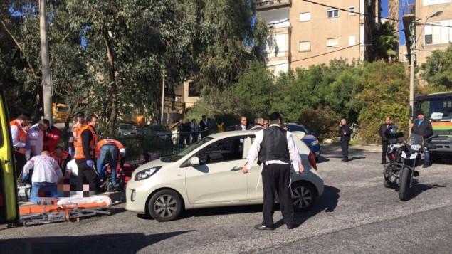 ساحة هجومي اطلاق نار في حيفا، 3 يناير 2017 (Magen David Adom Spokesman)