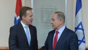 رئيس الوزراء بنيامين نتنياهو اليوم وزير الخارجية النرويجي بورغيه بريندي في القدس، 12 يناير 2017 (Amos Ben Gerschom/GPO)