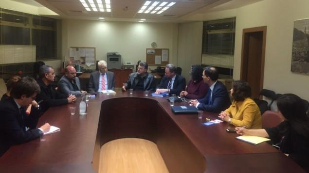 اعضاء كنيست من القائمة العربية المشتركة خلال لقاء مع مندوبين من الاتحاد الاوروبي في الكنيست، 18 يناير 2017 (Courtesy)
