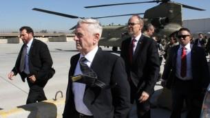 وزير الدفاع الاميركي جيمس ماتيس لدى وصوله الى بغداد، 20 فبراير 2017 (THOMAS WATKINS / AFP)