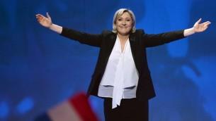 مرشحة حزب الجبهة الوطنية اليميني المتطرف للرئاسة الفرنسية مارين لوبن خلال تجمع انتخابي، 26 فبراير 2017 (JEAN-FRANCOIS MONIER / AFP)