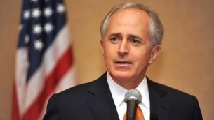 السناتور بوب كوركر (CC BY-SA, US Congress, Wikimedia Commons)