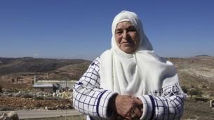 مريم حماد (83 عاما) احدى سكان سلواد التي نجحت باسترجاع اراضي في عامونا (Dov Lieber/Times of Israel)