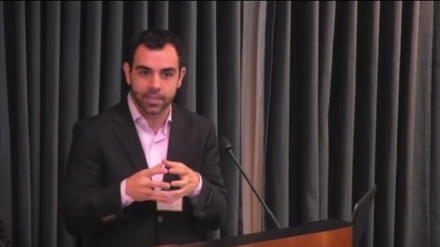 مدير مكتب منظمة هيومن رايتس ووتش في اسرائيل وفلسطين عمر شاكر (YouTube screenshot)