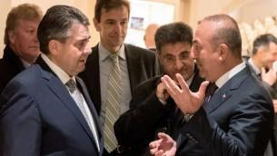 وزير الخارجية الالماني سيغمار غبريال خلال لقاء في برلين مع نظيره التركي مولود تشاوش اوغلو، 8 مارس 2017 (KAY NIETFELD / DPA / AFP)