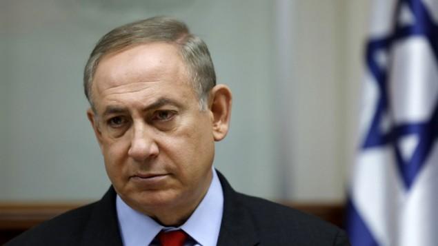 رئيس الوزراء بينيامين نتيناهو يترأس الجلسة الأسبوعية للحكومة في القدس، 16 مارس، 2017. (AFP PHOTO / POOL / AMIR COHEN)