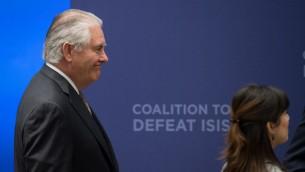 وزير الخارجية الاميركي ريكس تيلرسون يصل اجتماع لدول التحالف الدولي ضد تنظيم الدولة الاسلامية، في واشنطن، 22 مارس 2017 (NICHOLAS KAMM / AFP)