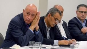 عضو الكنيست باسل غطاس (القائمة العربية المشتركة) خلال مؤتمر صحفي في الناصرة، 17 مارس، 2017.(Basel Awidat/Flash90)