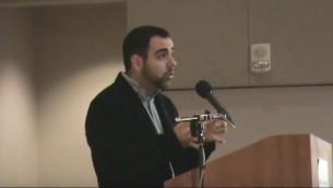 مدير هيومن رايتس ووتش في إسرائيل وفلسطين، عمر شاكر (لقطة شاشة: YouTube)