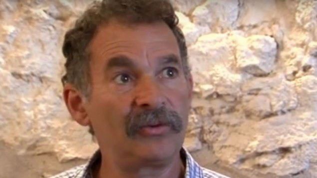 دافيد بئيري، مدير حديقة الاثار 'مدينة داود' (YouTube screenshot)