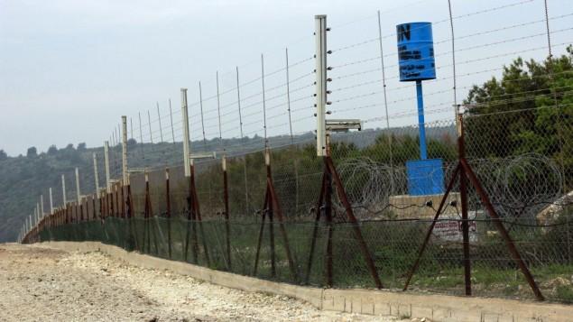 الحدود اللبنانية الاإسرائيلية بالقرب من كيبوتس حنيطا، 22 مارس 2017 (Judah Ari Gross/Times of Israel)
