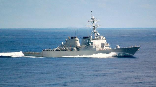 مدمرة 'ماهان' الأمريكية، في صورة لها من سبتمبر 2002. (Public Domain/Photographer's Mate Airman Rex Nelson, US Navy/Wikipedia)