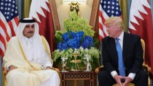 أمير قطر الشيخ تميم بن حمد آل ثاني في الرياض خلال لقاء مع الرئيس الأمريكي دونالد ترامب، 21 مايو، 2017. (AFP/ MANDEL NGAN)
