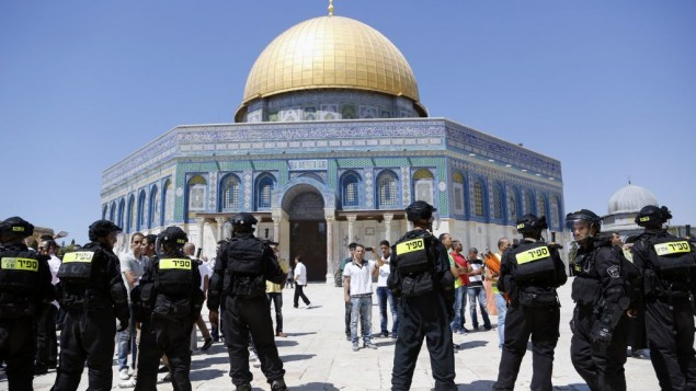 صورة توضيحية: الشرطة الإسرائيلية في الحرم القدسي. (Sliman Khader/Flash90)