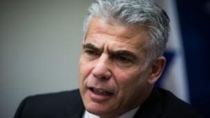 يائير لابيد، رئيس حزب 'يش عتيد'. (Yonatan Sindel/Flash90)
