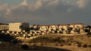 مستوطنة معاليه ادوميم في الضفة الغربية، 4 يناير 2017 (Yaniv Nadav/Flash90)