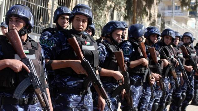الشرطة الفلسطينية في الضفة الغربية  (Issam Rimawi/Flash90)