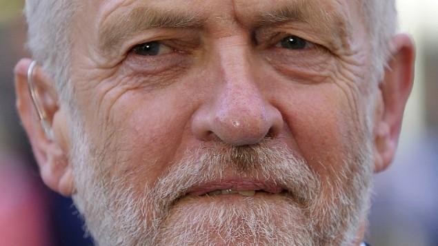 زعيم حزب العمال البريطاني جيريمي كوربين يشارك في حدث إنتخابي في إطار الحملة الإنتخابية للإنتخابات التشريعية في غلاسكو، إسكتلندا، 7 يونيو، 2017. (AFP PHOTO / Andy Buchanan)