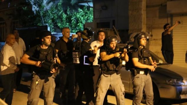 قوات الشرطة في كفر قاسم، 6 يونيو 2017 (Courtesy)