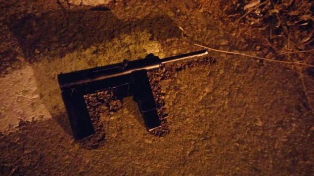 سلاح غير قانوني قام الجيش الإسرائيلي بمصادرته في مدينة الخليل، 28 يونيو، 2017. (IDF spokesperson)