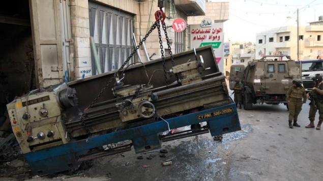 معدات تصنيع اسلحة صادرتها قوات الامن في الضفة الغربية، 8 يونيو 2017 (IDF spokesperson)