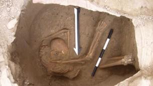 مكان دفن أحد الذين تم تحليلهم في دراسة الكنعانيين، من حوالي 1600 قبل الميلاد. (Dr. Claude Doumet-Serhal/Wellcome Trust Sanger Institute)