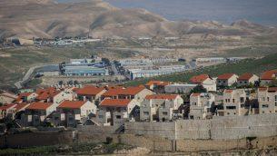 مدينة معاليه أدوميم، واحدة من أكبر المستوطنات الإسرائيلية في الضفة الغربية. (Yonatan Sindel/Flash90)