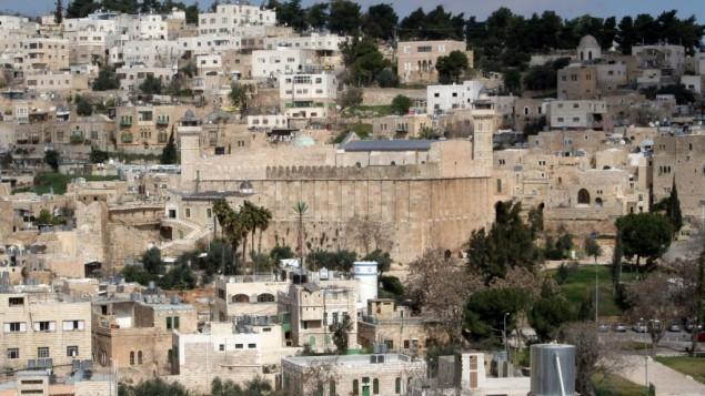 الحرم الابراهيمي في الخليل (Najeh Hashlamoun/Flash90)