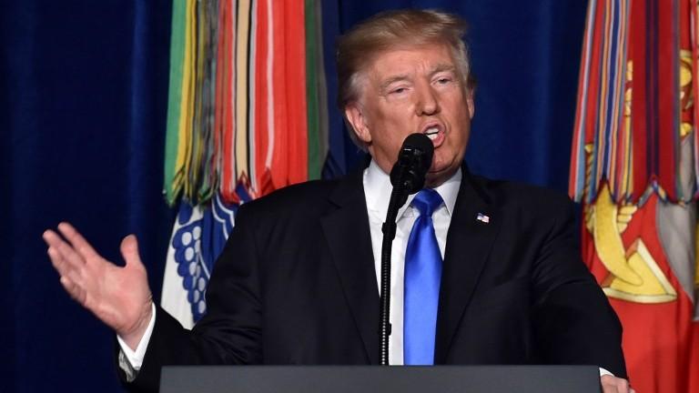 الرئيس الامريكي دونالد ترامب خلال خطاب في فرجينيا، 21 اغسطس 2017 (NICHOLAS KAMM / AFP)