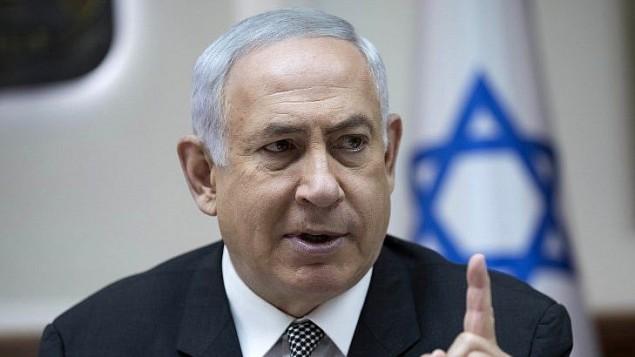 رئيس الوزراء بنيامين نتنياهو خلال الجلسة الاسبوعية للحكومة في القدس، 3 سبتمبر 2017 (AFP Photo/Pool/Abir Sultan)