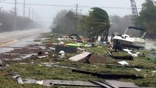 الحطام في اعقاب الاعصار ايرما في فلوريدا، 11 سبتمبر 2017 (MARC SEROTA / GETTY IMAGES NORTH AMERICA / AFP)