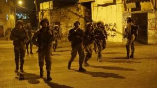 جنود اسرائيليون خلال مداهمات في الضفة الغربية، 28 سبتمبر 2017 (Israel Defense Forces)