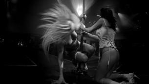 صورة توضيحية: راقصات على المنصة في نادي تعري في تل ابيب، فبراير 2008 (Boaz Oppenheim/Flash90)