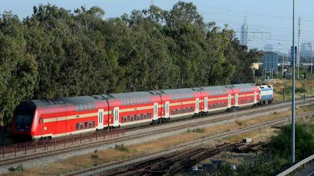 قطار تابع لشركة القطارات الإسرائيلية (Moshe Shai/Flash90)