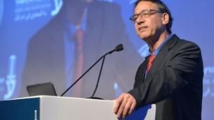 المدعي العام شاي نيتسان يلقي كلمة في مؤتمر لنقابة المحامين في إسرائيل، تل أبيب، 29 أغسطس، 2017. (Roy Alima/Flash90)